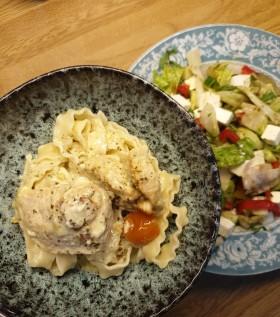 Kycklingpestogratäng - Servera den med pasta, ris eller bulgur!
