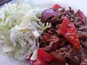 Köttfärssås thaistyle med röd curry och kokosmjölk